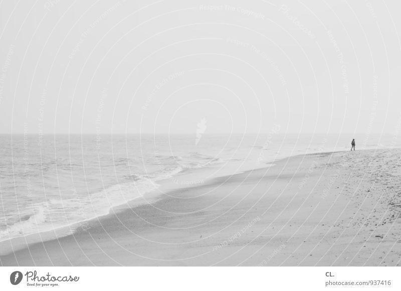 meer Mensch Himmel Natur Ferien & Urlaub & Reisen Wasser Erholung Meer Einsamkeit Landschaft ruhig Strand Ferne Umwelt Erwachsene Leben Küste