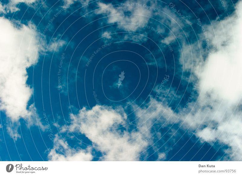 Der Moment Wolken träumen weiß beweglich flockig zart türkis Schweben gleiten Sommer Sonne Himmel blau Erholung frei Freiheit oben fliegen