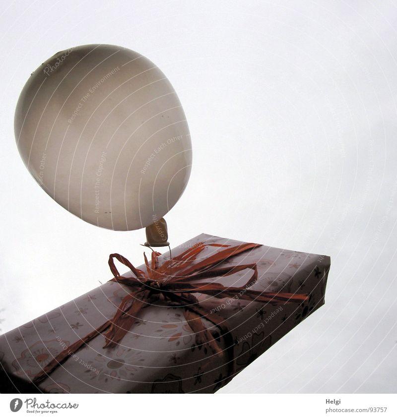 Luftpost... Himmel weiß schön rot Freude Wolken Glück Feste & Feiern rosa fliegen Geburtstag hoch Design Fröhlichkeit Dekoration & Verzierung