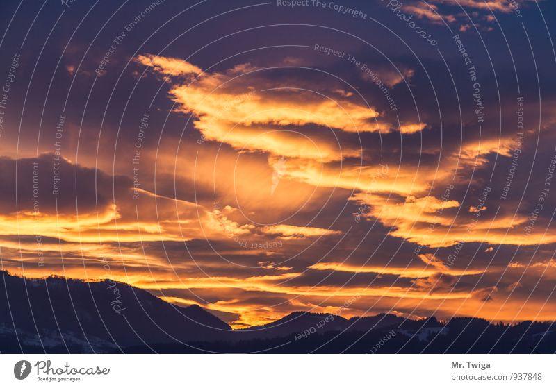 Himmel bei Sonnenuntergang Ferien & Urlaub & Reisen Berge u. Gebirge wandern Umwelt Natur Wolken Horizont Sonnenaufgang träumen frei Glück Unendlichkeit orange