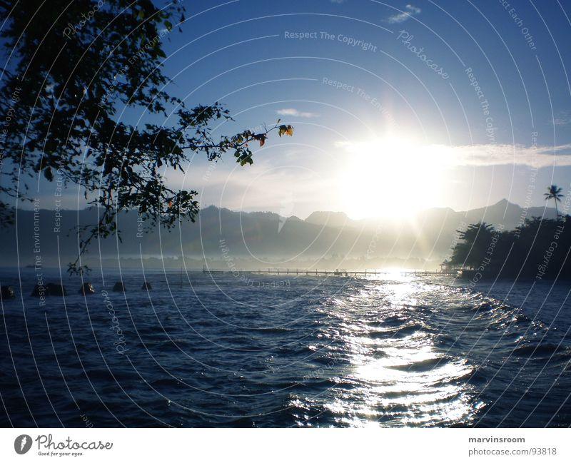 sunday morning Strand Sonnenlicht Meer Küste sunlight shade sea Morgen blue