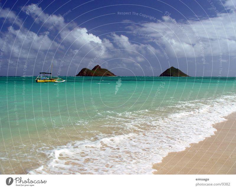Lanikai Beach / Hawaii Wasser Himmel Meer blau Strand Ferien & Urlaub & Reisen Wolken Wasserfahrzeug Wellen Insel exotisch Hawaii