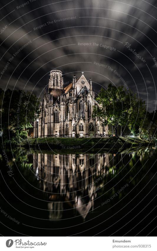 Johanneskirche Stuttgart Deutschland Europa Stadt Kirche Architektur Religion & Glaube Neugotik Farbfoto Außenaufnahme Nacht Licht Schatten Kontrast
