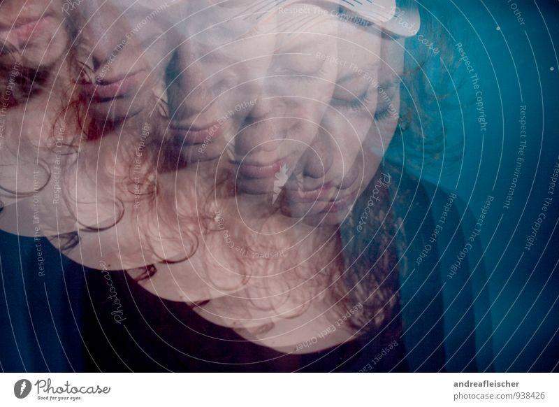 Kontrollverlust oder verschobene Realität. feminin Junge Frau Jugendliche 1 Mensch 18-30 Jahre Erwachsene schlafen Vielfältig Zweifel Schizophrenie Rauschmittel