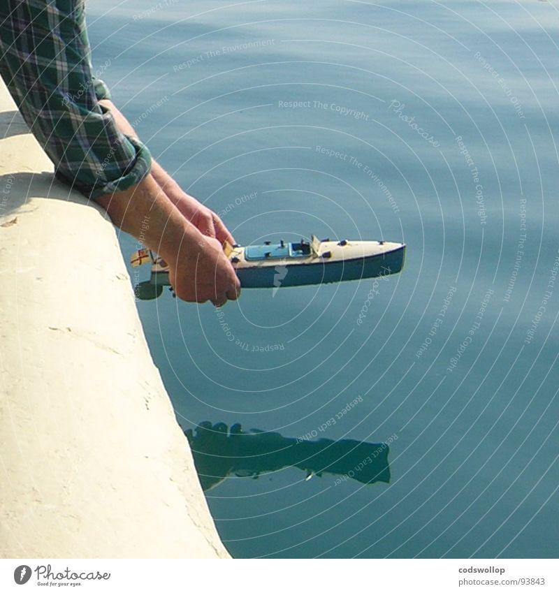 the launch Freude Wasserfahrzeug Hafen Spielzeug Erinnerung repariert Schnellboot