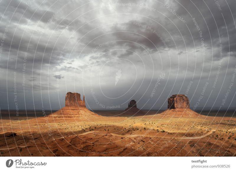 aussicht Umwelt Natur Landschaft Erde Sand Wolken Gewitterwolken Sonne Klima schlechtes Wetter Monument Valley gigantisch Unendlichkeit Farbfoto Außenaufnahme