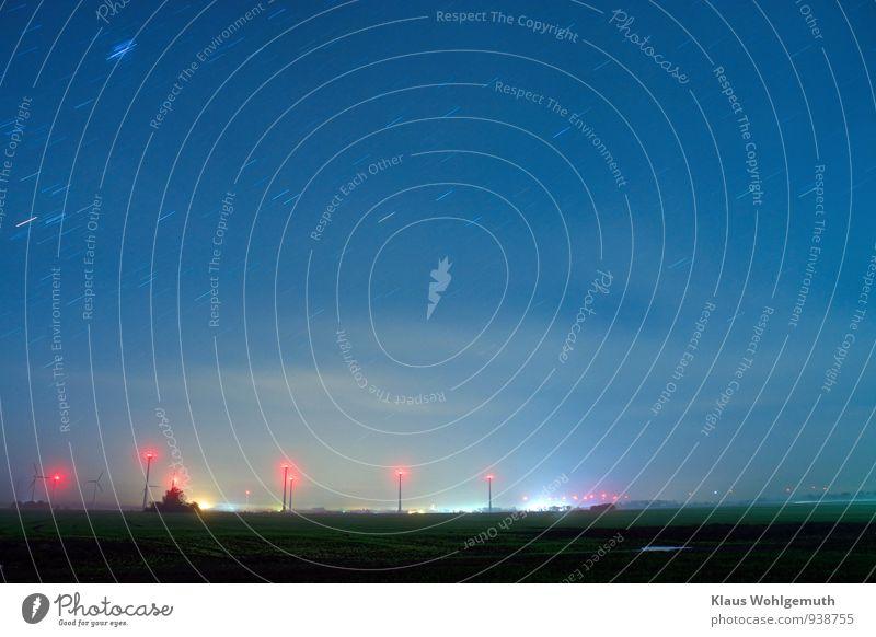"""""""Die Nacht auf dem kahlen Feld."""" Tourismus Technik & Technologie Windkraftanlage Umwelt Natur Wolkenloser Himmel Nachthimmel Stern Horizont Herbst"""