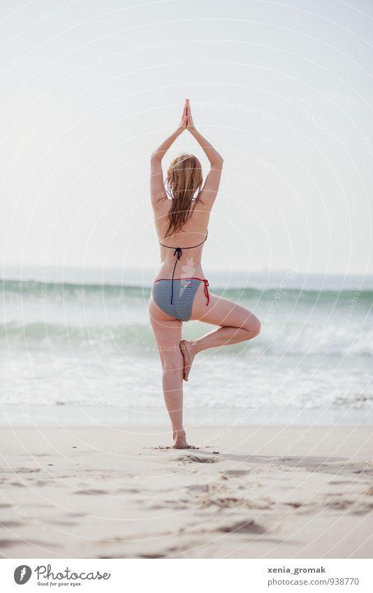 Yoga am Strand Lifestyle schön Körperpflege Gesundheit Fitness Wellness Leben harmonisch Wohlgefühl Zufriedenheit Sinnesorgane Erholung ruhig Meditation