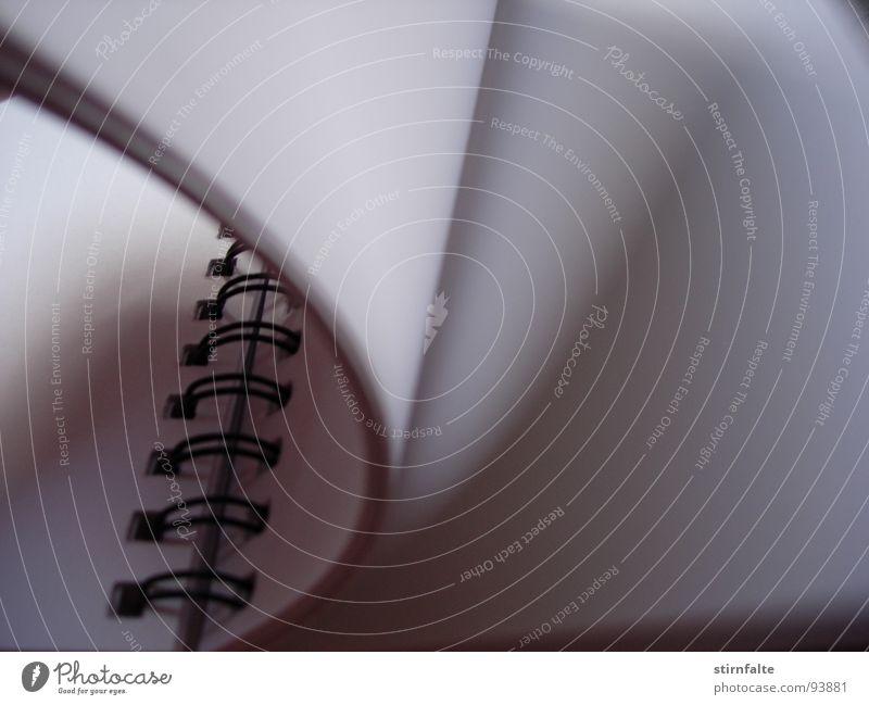 Skizzenbuch Gemälde streichen zeichnen Ringbuchordner blätternd Entwurf Heft Buch Bewegung Seitenwechsel aufschlagen blanko kahl wehen Information Buchseite