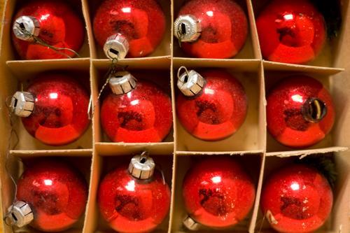 12/12 Weihnachten & Advent Dekoration & Verzierung Anti-Weihnachten Weihnachtsdekoration Winter Kugel Christbaumkugel Karton Verpackung Glas mundgeblasen