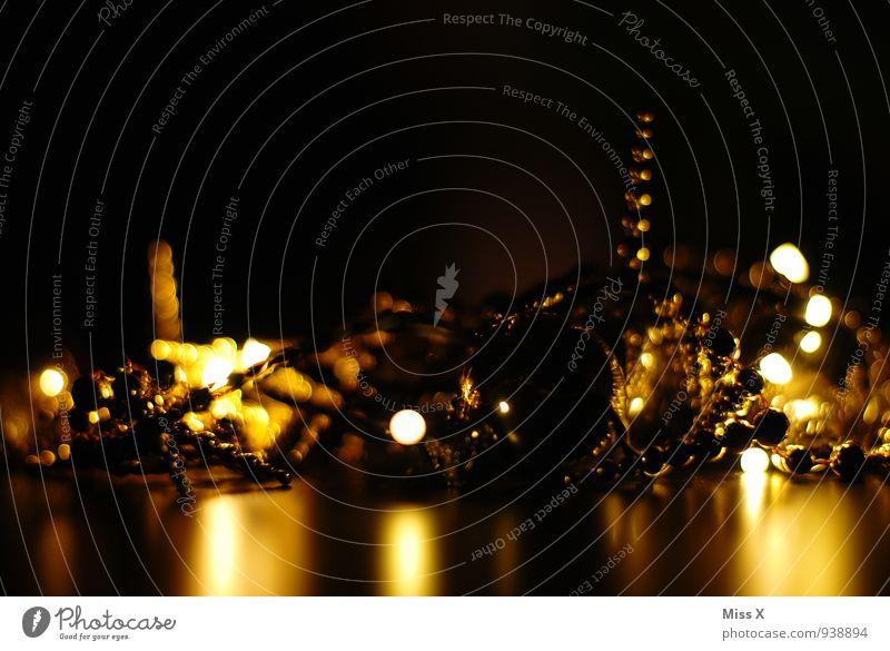 Citylight Dekoration & Verzierung Schmuck Kitsch Krimskrams glänzend leuchten gold Weihnachtsbeleuchtung Weihnachtsdekoration Baumschmuck Stimmung Stillleben