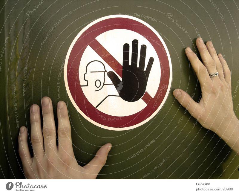 Nicht anfassen! Hand Angst gefährlich Zukunft Ende bedrohlich stoppen berühren Neugier Schmerz Mut Meinung Wachsamkeit Verstand Respekt Verbote