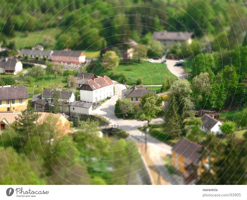 mini hardegg grün Haus Straße Wald Brücke Fluss Bach Österreich saftig Miniatur Tilt-Shift Bundesland Niederösterreich