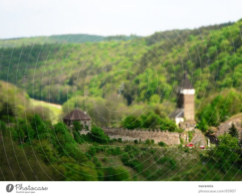 mini schloss hardegg grün Haus Straße Wald Burg oder Schloss historisch Österreich saftig Miniatur Tilt-Shift Bundesland Niederösterreich