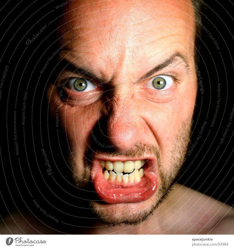 freakish Ärger böse Aggression Freak Porträt Wut Rüpel unfair Biest herzlos Grobian Gesicht Angst Panik rücksichtsloser Mensch jähzorniger Mensch Choleriker