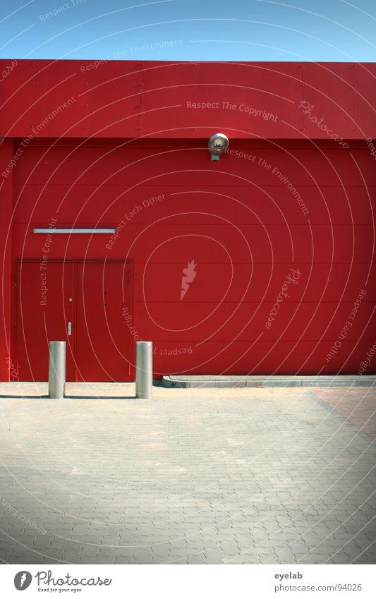 Schutzbrillenpflicht bei weniger als 5m Sichtabstand Pflanze rot Haus Farbe Lampe Wand Gebäude Tür Beton 3 geschlossen leer Industrie Sicherheit modern neu