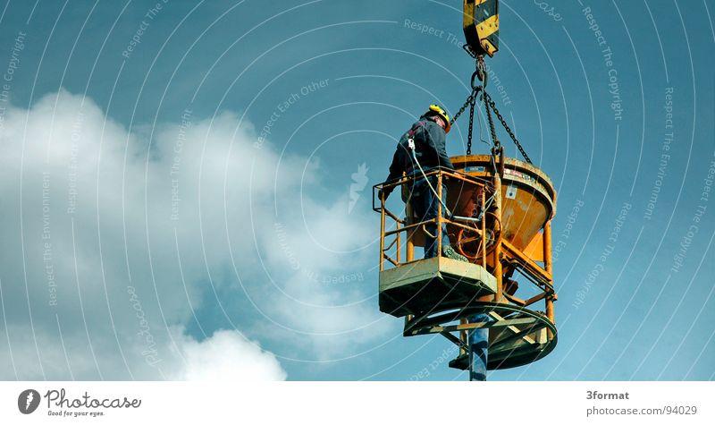 bau Bauarbeiter Baustelle Kran Baukran hängen Wolken Krach beenden fertig einrichten Beton Gießer Gewicht Kranfahrer Kindheitstraum hoch Ferne oben Aussicht