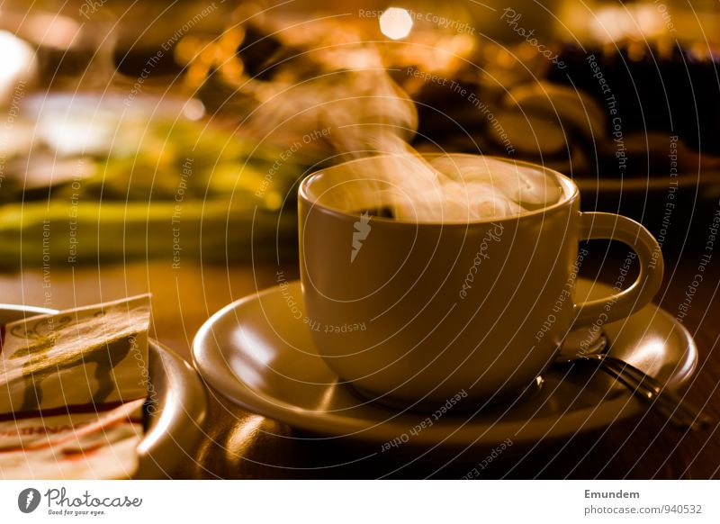 Weihnachtskaffee Weihnachten & Advent Erholung ruhig Zusammensein Wohnung Häusliches Leben Getränk Warmherzigkeit Kaffee Duft Geschirr harmonisch Tasse Teller