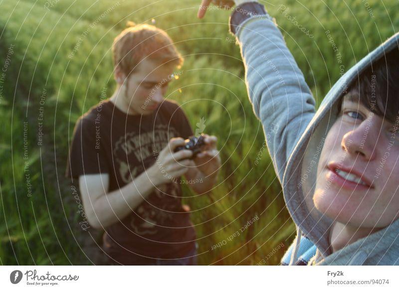 Backofen Kroketten Mensch Mann Jugendliche Sonne grün Gesicht Auge Mund 2 Feld Zähne Freizeit & Hobby Fotokamera Getreide Typ Pullover