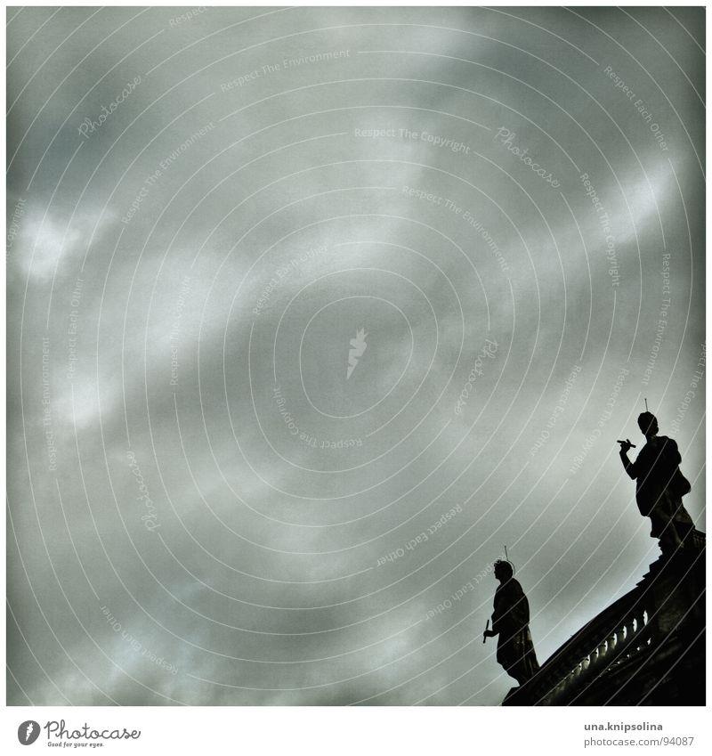 skulptur Museum Skulptur Himmel Wolken schlechtes Wetter Regen trist Museumsinsel Schattenspiel Berlin bode Detailaufnahme Silhouette