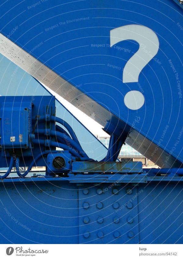 Wer, Wie, Was, Wieso, Weshalb, Warum Himmel weiß blau Freude Metall Technik & Technologie Stahl Rost was Fragen Wissen unklar Kiel wie Niete Fragezeichen