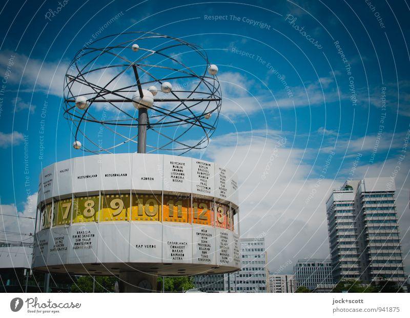 Zeit der Welt Himmel Stadt Sommer Wolken Design authentisch Hochhaus retro Ewigkeit Ziffern & Zahlen Vergangenheit nachhaltig Sehenswürdigkeit eckig DDR