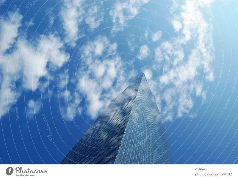 Wolkenspiegel Himmel blau weiß Stadt Haus Fenster Freiheit Gebäude Fassade hoch Hochhaus Perspektive USA New York City