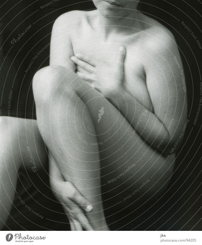 Frau 1 weiß schwarz Beine Körper Akt Knie
