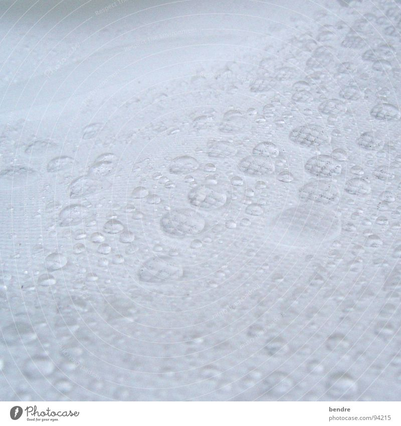 its raining... nass Vliesstoff Stoff weiß Wasser Regen Wassertropfen Polstervlies