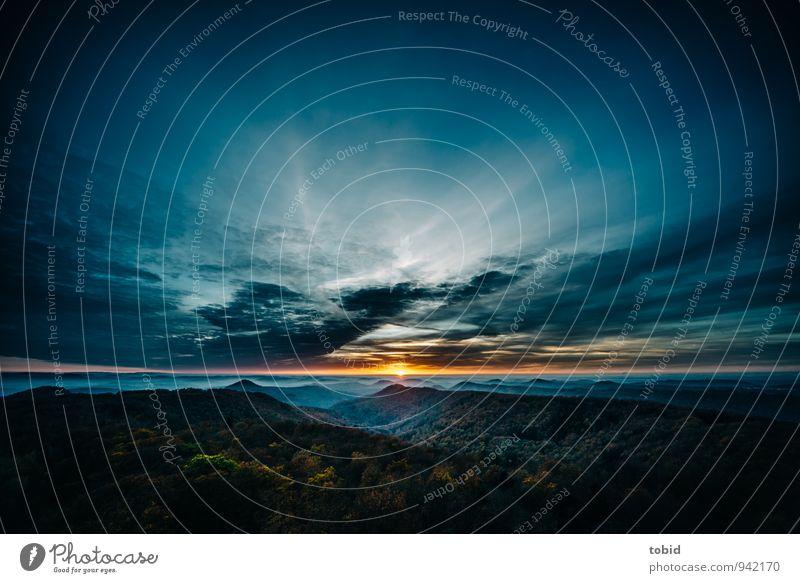 Sunset Himmel Natur blau Pflanze grün Baum Einsamkeit Landschaft Wolken Ferne dunkel Wald kalt Berge u. Gebirge Wärme Herbst