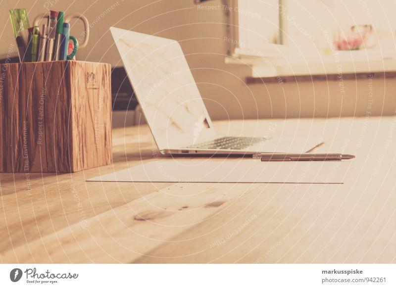 neourban hipster office Bewegung Denken Arbeit & Erwerbstätigkeit Büro sitzen retro trendy Dienstleistungsgewerbe Schreibtisch Notebook altehrwürdig