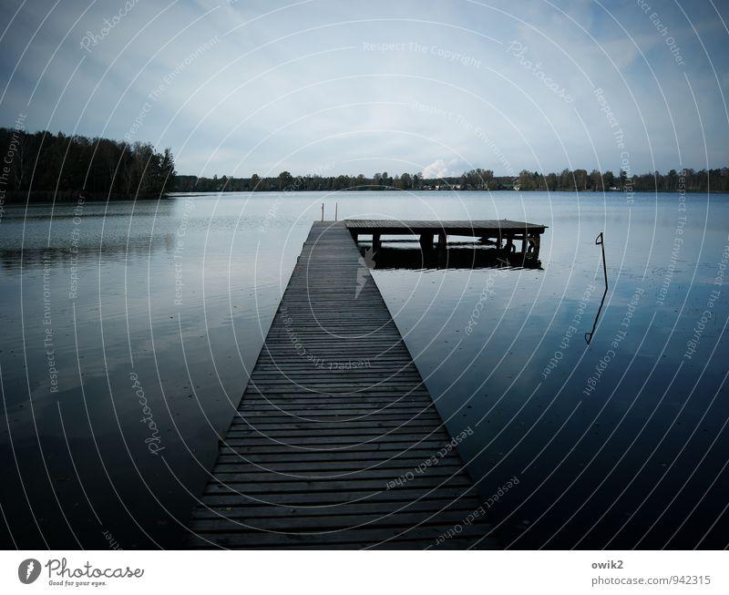 Tiefe Wasser Himmel Natur blau Landschaft Wolken ruhig Ferne dunkel Wald schwarz Umwelt Holz See Stimmung Horizont