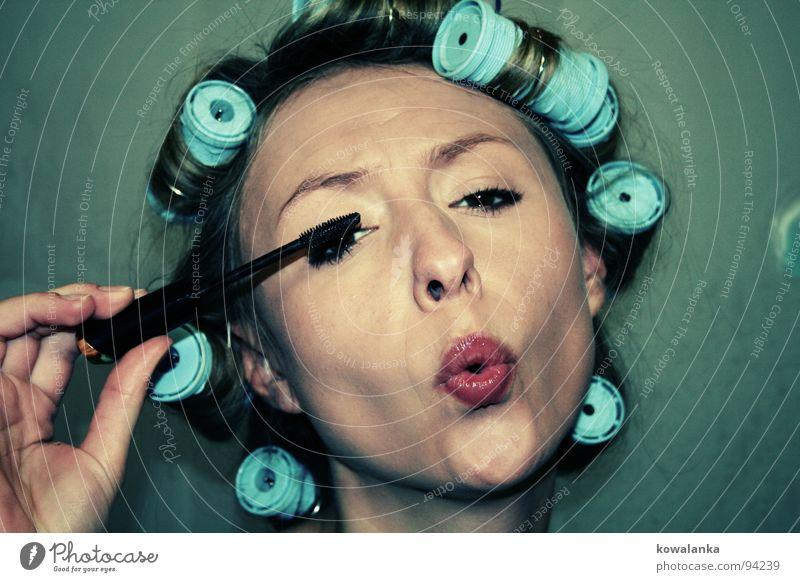 make up your life Frau Mensch Auge feminin Haare & Frisuren lustig Schminke Kosmetik Locken Wimpern Schminken Wimperntusche aufstehen Lockenwickler