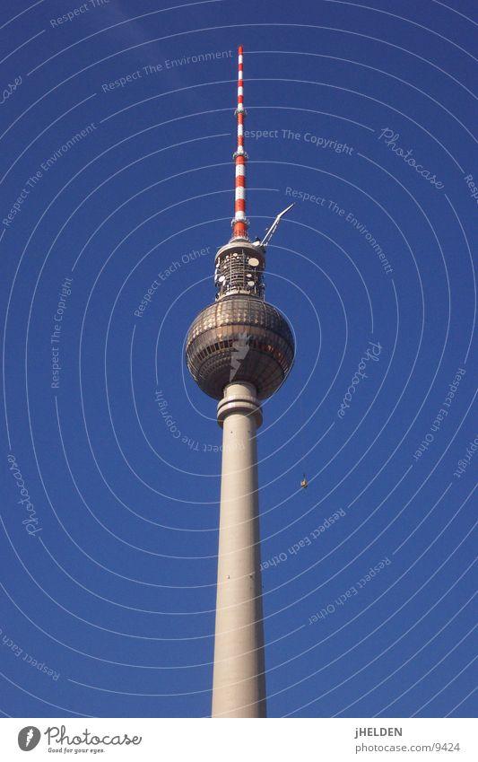 Alexanderplatz Fernsehturm Berlin Architektur hoch gefährlich Turm Reinigen Denkmal Wahrzeichen Berliner Fernsehturm Schwindelgefühl Gebäudereiniger