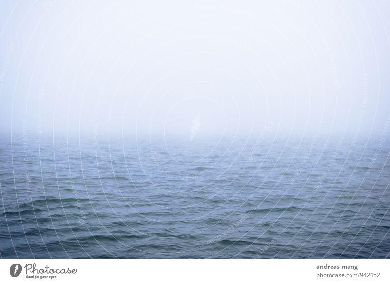 #250 Wasser Horizont schlechtes Wetter Nebel Wellen Nordsee Meer Ferne Flüssigkeit Unendlichkeit maritim nass trist blau ruhig Sehnsucht Heimweh Fernweh