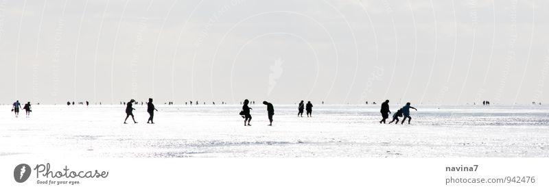 Strandleben 1 Mensch Ferien & Urlaub & Reisen Jugendliche Erholung 18-30 Jahre Ferne Umwelt Erwachsene Freiheit Menschengruppe Familie & Verwandtschaft