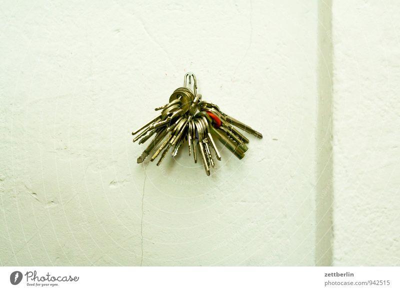 Schlüsselbund Metall Tür geschlossen Metallwaren Sicherheit viele Stahl Tor Haushalt schließen Hausmeister Schlüsseldienst