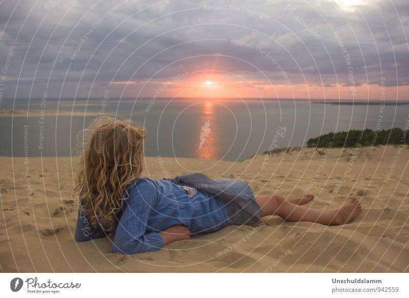 Before Sunset Ferien & Urlaub & Reisen Tourismus Sommerurlaub Kind Mädchen Kindheit Leben 3-8 Jahre Umwelt Natur Landschaft Gewitterwolken Sonnenaufgang