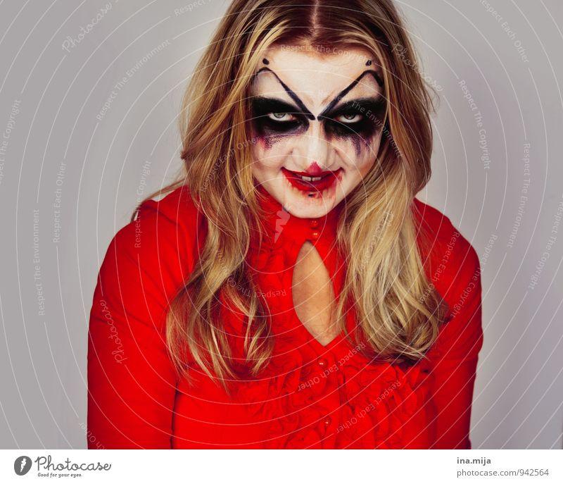 böses Grinsen Feste & Feiern Halloween Mensch feminin Gesicht 1 blond langhaarig Aggression hässlich rebellisch Wut rot Gefühle Stimmung bizarr skurril grinsen