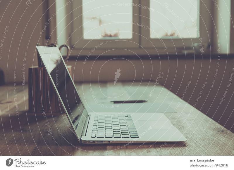 neourban hipster office sprechen Büro Erfolg retro trendy Sitzung Dienstleistungsgewerbe Schreibtisch Karriere Notebook altehrwürdig Werbebranche Designer Medienbranche