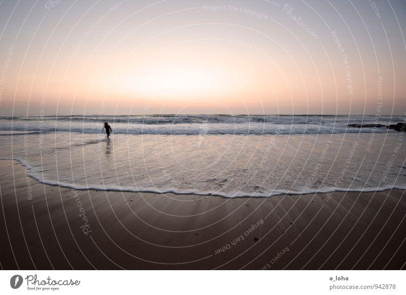 sunset surfer II Lifestyle Ferne Sommerurlaub Strand Meer Wellen Wassersport Mensch 1 Umwelt Natur Urelemente Sand Wolkenloser Himmel Horizont Schönes Wetter