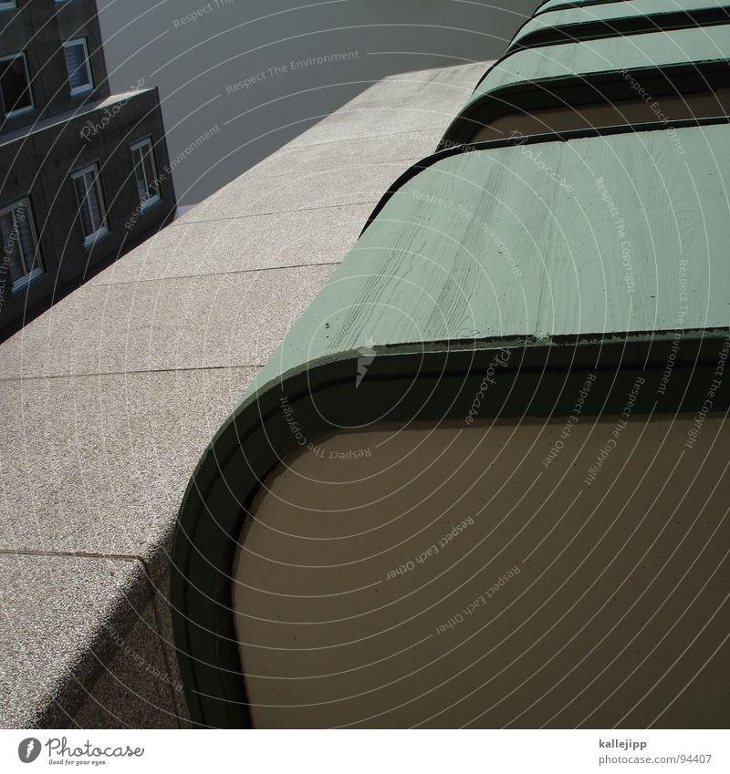 E Hochhaus Balkon Fassade Fenster Wohnanlage Stadt rund Pastellton Beton Etage Selbstmörder Raum Mieter Leben live Ghetto Sozialer Brennpunkt Plattenbau