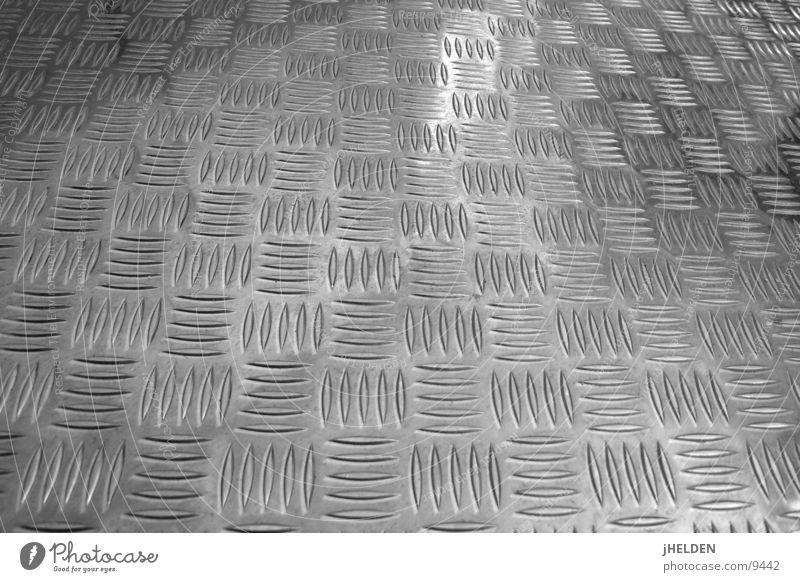 riffle blech Dekoration & Verzierung Industrie Metall schwarz weiß Blech Tanzfläche Aluminium Fußtritt Emotiondesign Riffel Bodenbelag ground rutschfest black