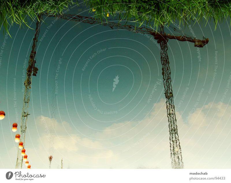 ELFENTANZ Kran feucht grün Reflexion & Spiegelung Wolken Himmel Traumwelt Gras Wiese Märchen träumen Tagtraum Industrie Sportveranstaltung Konkurrenz Wasser