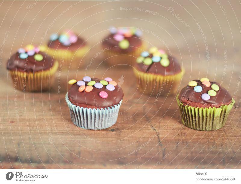 Muffins Lebensmittel Teigwaren Backwaren Kuchen Dessert Süßwaren Schokolade Ernährung Feste & Feiern Geburtstag lecker süß mehrfarbig Schokolinsen