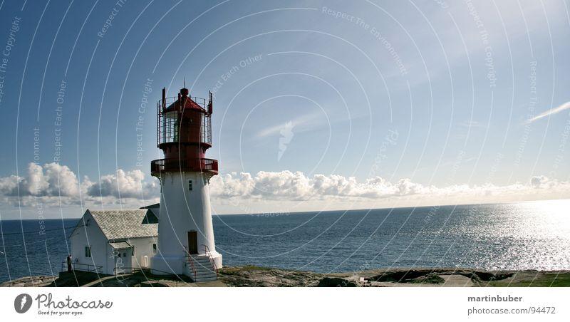 kap lindesnes Leuchtturm Kap Norwegen weiß rot Meer Wolken himmelblau Sonne Panorama (Aussicht) nordisch ruhig Küste Klippe Wachdienst Norden Flutlicht Licht
