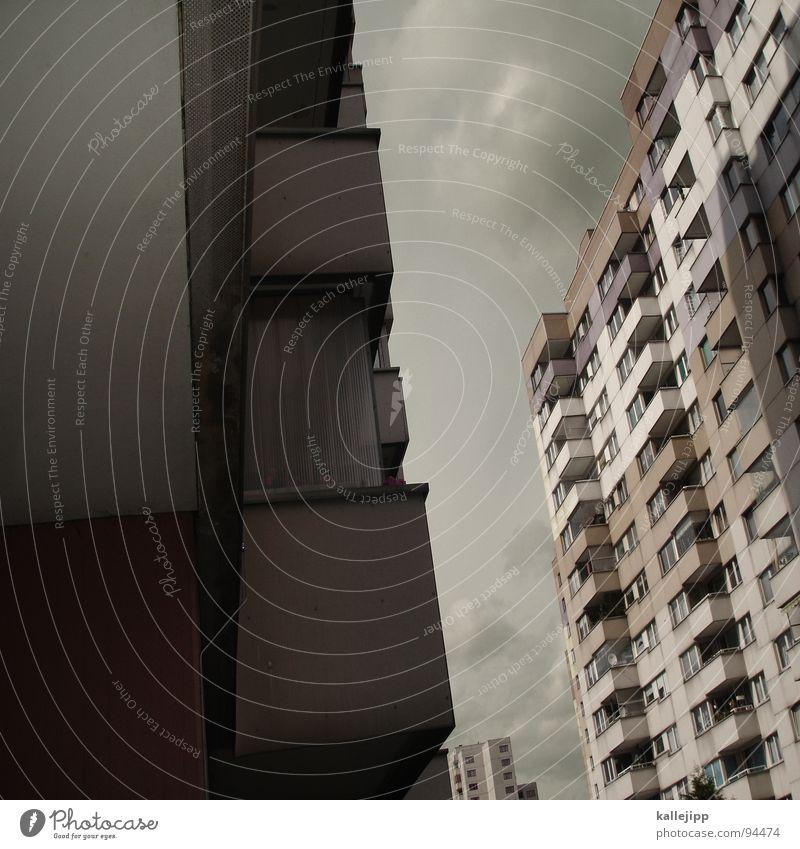 nachbarn Himmel Stadt Leben Berlin Fenster Landschaft Architektur Raum Beton Hochhaus Fassade rund Häusliches Leben Balkon Etage Geländer