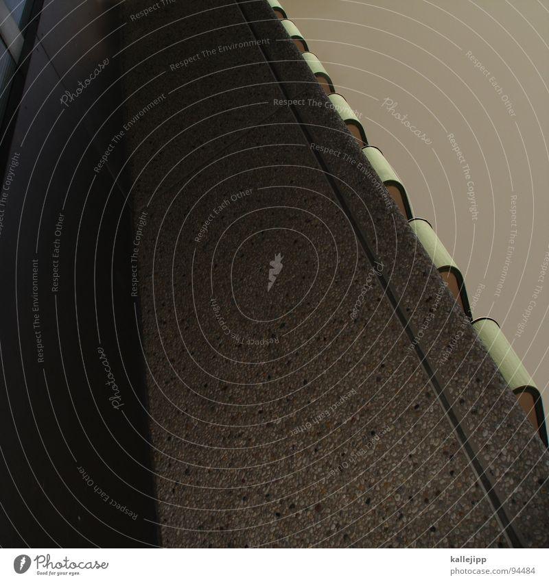 zahnbürste II Hochhaus Balkon Fassade Fenster Wohnanlage Stadt rund Pastellton Beton Etage Selbstmörder Raum Mieter Leben live Ghetto Sozialer Brennpunkt