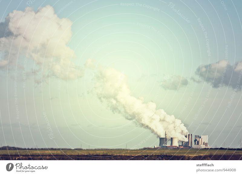 Viel Rauch um Nichts Himmel blau grün Landschaft Umwelt Horizont Energiewirtschaft Luft Feld dreckig Erde trist Klima Schönes Wetter Zukunft Industrie