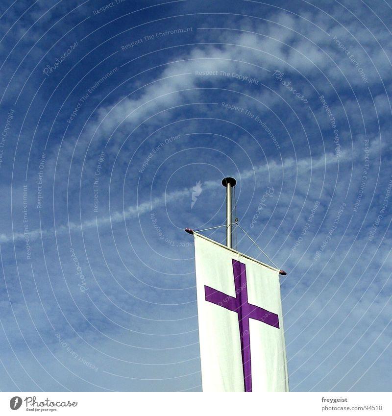 Freedom Himmel weiß blau Wolken Freiheit Religion & Glaube Wind Rücken Fahne Frieden violett wehen Gotteshäuser